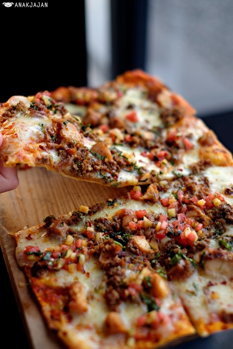 Frito Octopus Pizza IDR 125k