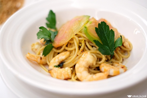 Fresh Shrimp Spaghetti with Lobster Oil IDR 125k