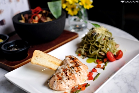 Choice of Pasta (Pesto) + Salmon Grill IDR 112.5k