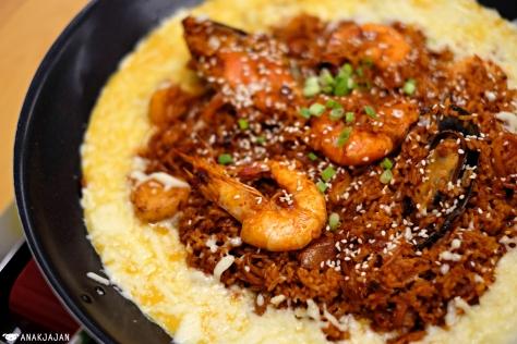 Fried Rice Kimchi Seafood IDR 86k https://anakjajan.com/2016/05/19/jjigae-house-jakarta/