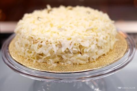 O-Cheesecake IDR 28k/ slice or 250k/ wholecake