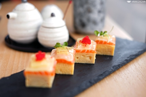 Tamago Aburi Salmon with Cheese