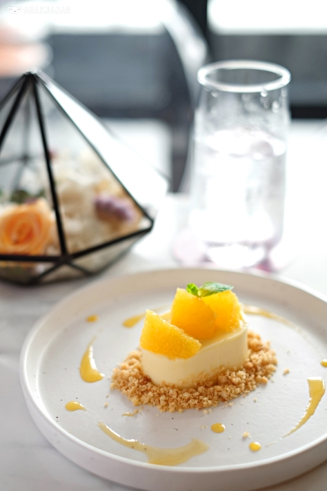 Yuzu Cremeux with Almond Sable IDR 55k