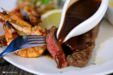 Grilled Wagyu Beef with Tiger Prawn