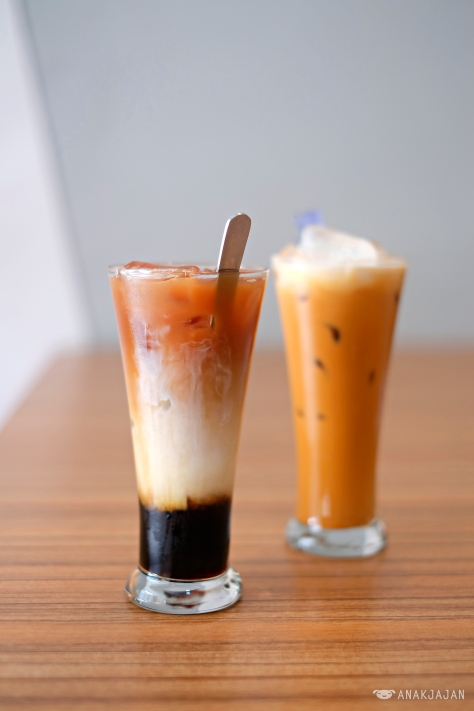 3 Layers Tea IDR 22k // Thai Tea IDR 22k