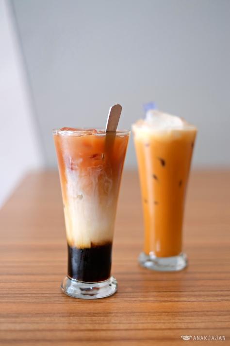 3 Layers Tea IDR 22k // Thai Tea IDR 22k