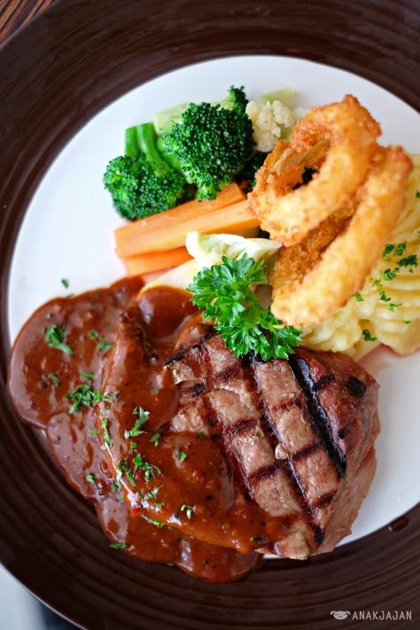 Asher Steak IDR 120k