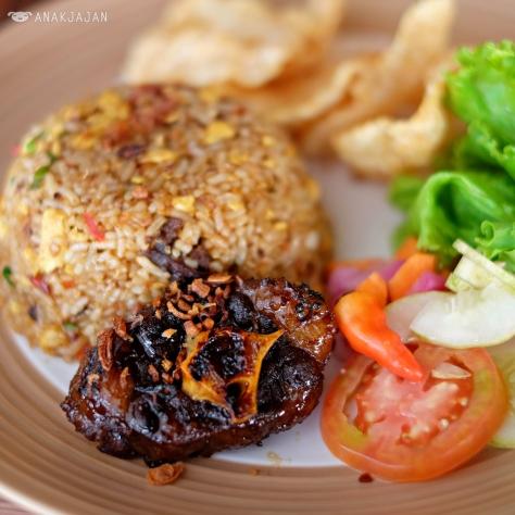 Oxtail Fried Rice IDR 65k
