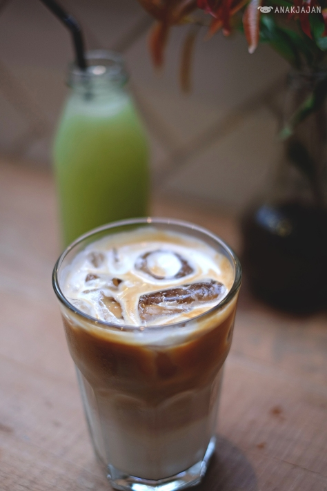 Iced latte IDR 40k