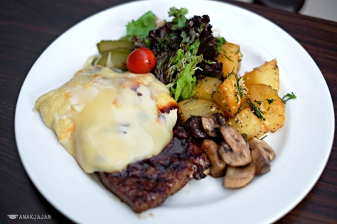 Raclette Steak IDR 175k