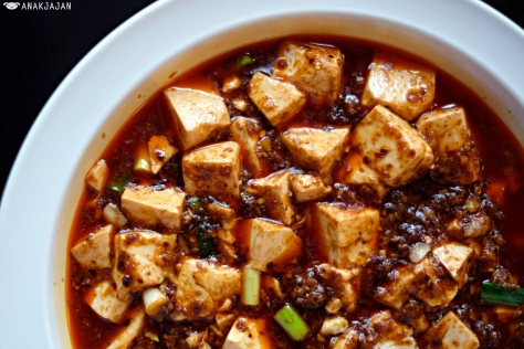 Spicy Braised Tofu with Minced Beef and Chili Oil IDR 78k