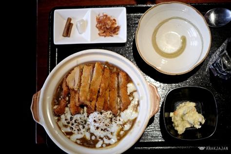 Yaki Curry IDT 83k + Chicken Katsu IDR 28k