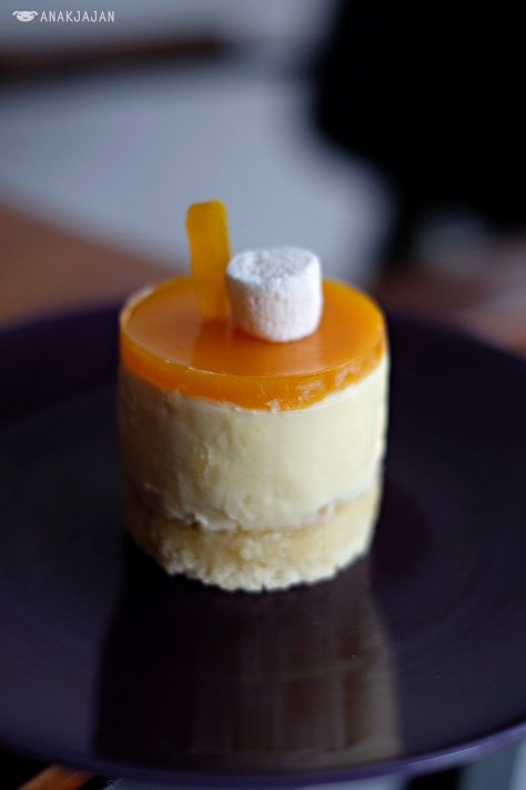 Summer Mango Cheesecake IDR 31k