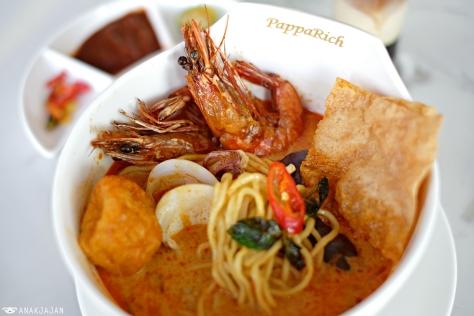 Seafood Curry Laksa IDR 63k