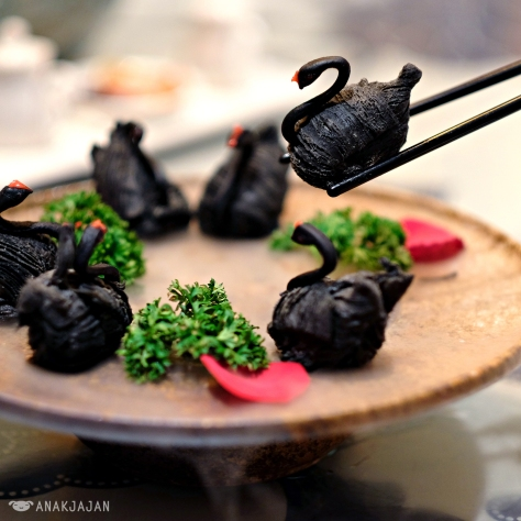 Swan Dumpling with Black pepper Duck Meat IDR 89k (6pcs)