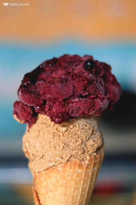 Blueberry + Coffee Baileys