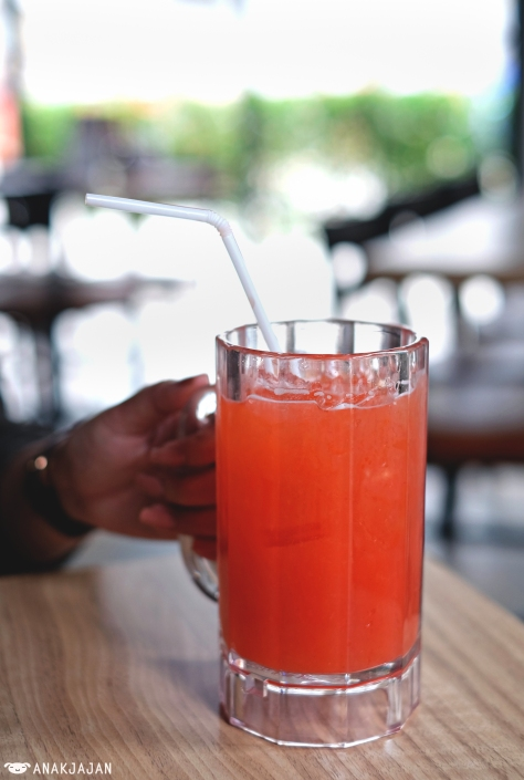 Strawberry Lemonade Mocktail IDR 42.9k