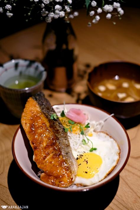 Crispy Salmon Soy Orange Donburi IDR 80k
