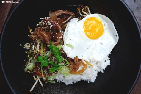 Spicy Beef Yaki Don IDR 80k