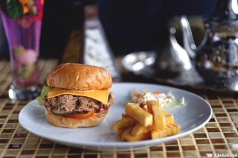Chicken Roasted Burger IDR 50k