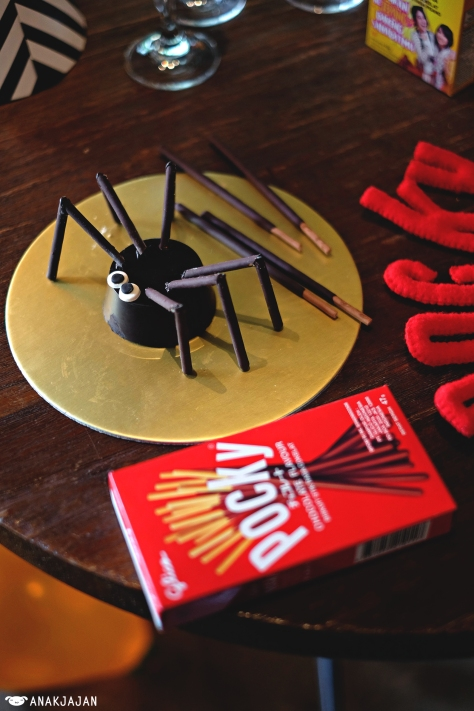 Chocolate Pocky Spider