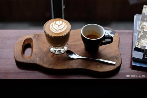 Piccolo IDR 35k// Espresso IDR 28k