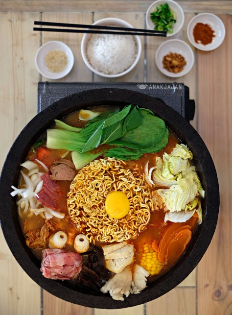 Korean Budae Jjigae IDR 215k(party), IDR 120k(date)