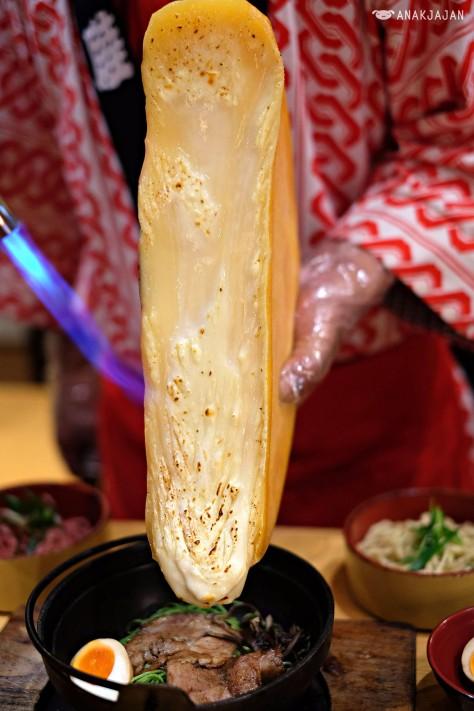 Butao Ramen + Raclette Cheese IDR 98k https://anakjajan.com/2016/11/22/ichiro-ramen-market-aeon-mall-bsd-city-tangerang/