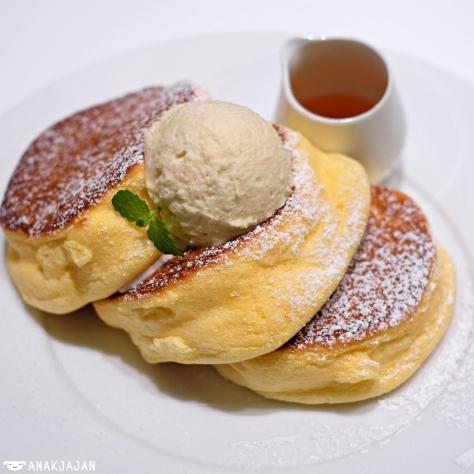 Happy Pancake JPY 1,100