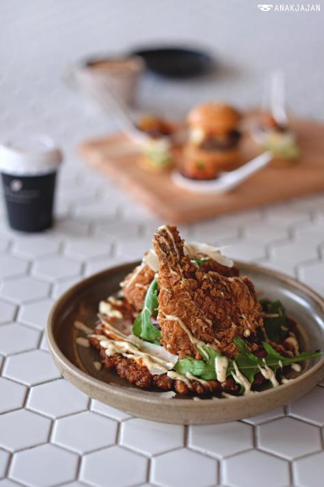 Buttermilk Chicken and Corn Fritata IDR 105k