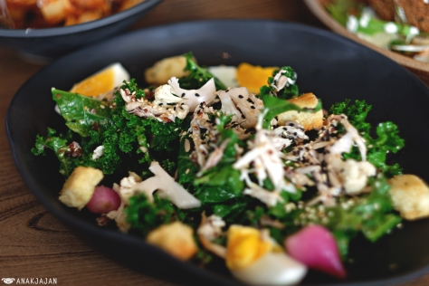Kale and Quinoa Salad IDR 95k