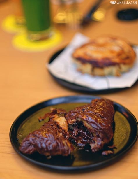 Chocolate Lava Croissant IDR 35k