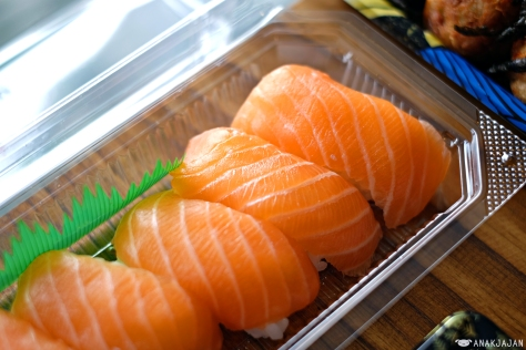 Sushi Salmon IDR 36k
