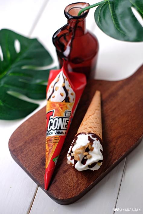 Jcone Junior Choco Vanilla IDR 2.5k
