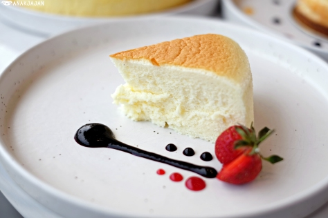 Cheesecake Original IDR 200K (whole cake)