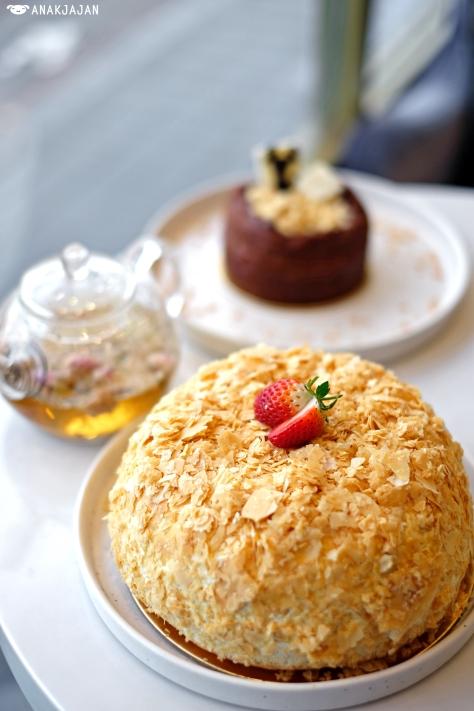 EIO Cake IDR 180K (18cm)