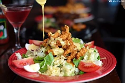Cajun Fried Chicken Salad IDR 109.9k
