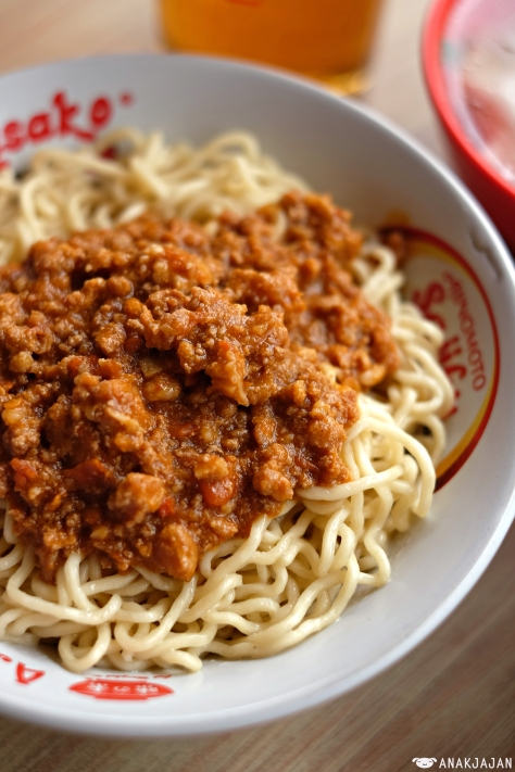 Mie Rica Babi Pedas (Spicy Pork Rica Noodle) + Beef Balls & Wonton IDR 36k