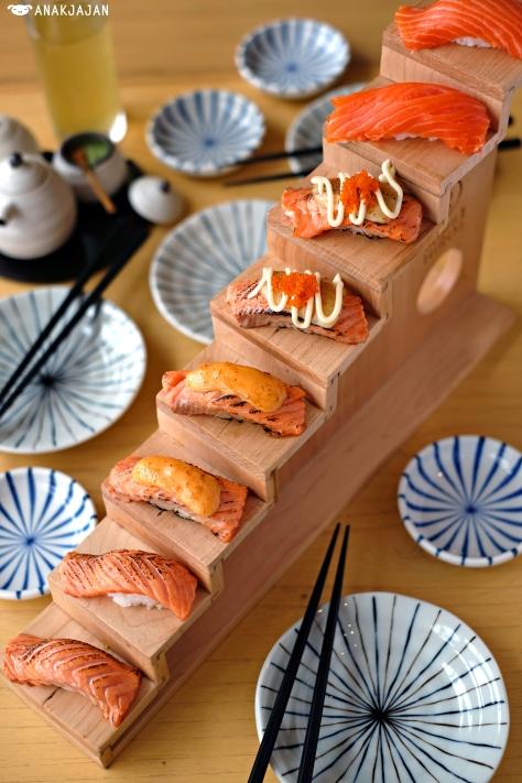 Hiro Salmon Sushi IDR 90k