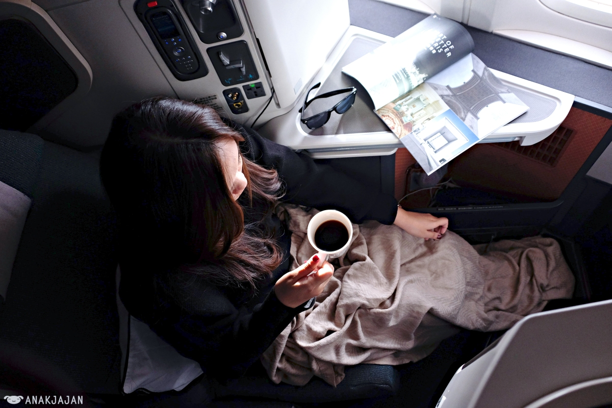 8 BENEFITS OF FLYING BUSINESS CLASS + TIPS [Travel]