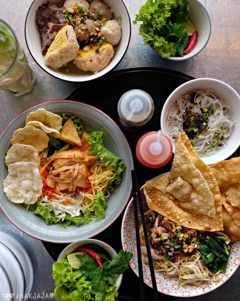 No Pork Halal Kitchen: GOPEK RESTAURANT – Grand Indonesia
