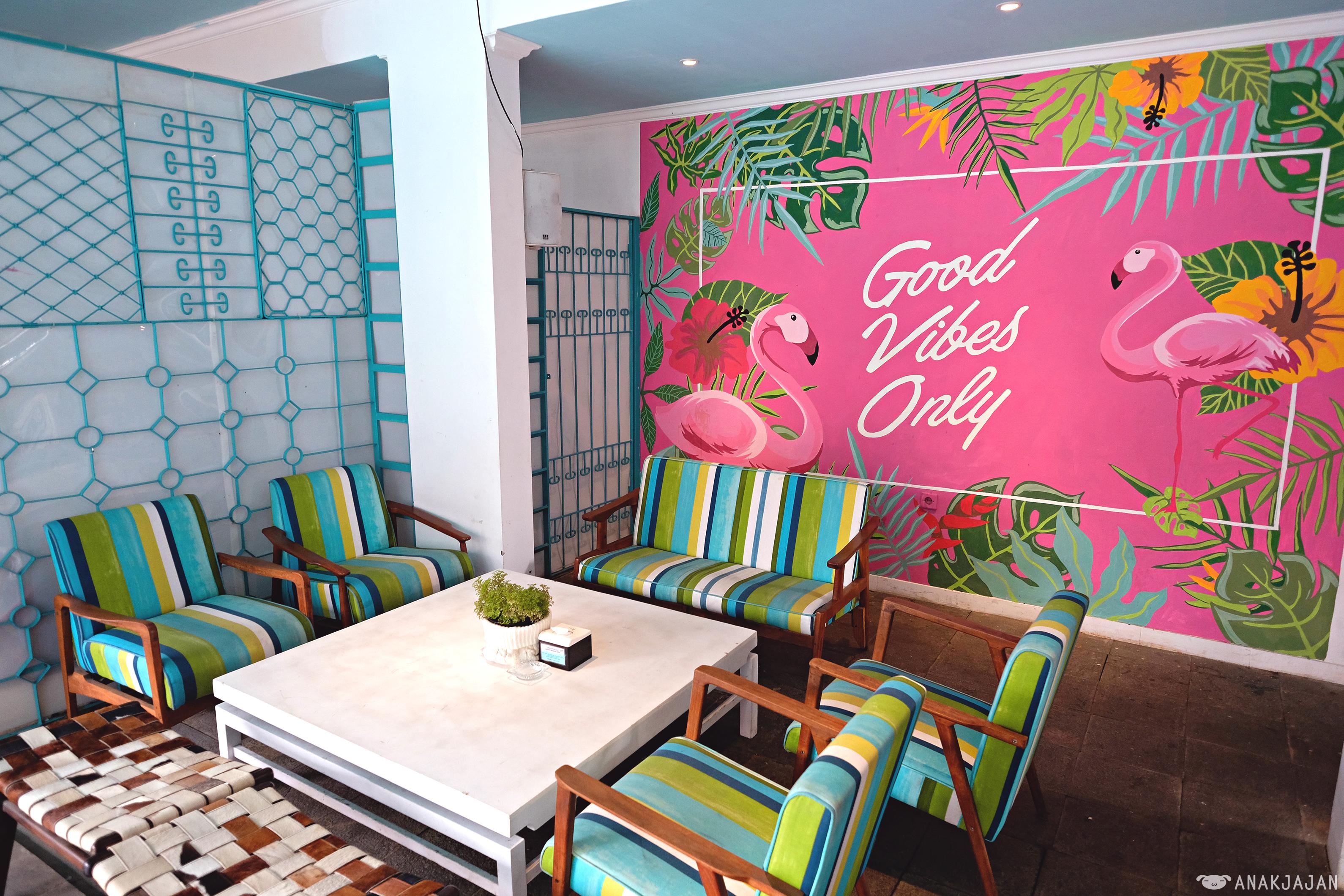 PIKNIK CAFE – ARIF INN LEBAK BULUS Jakarta